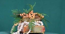Schmuckkasten mit Perlen